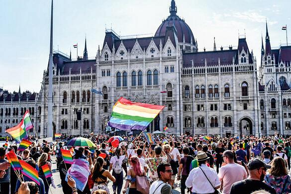 Hungria aprova lei que equipara pedofilia a ensino sobre educação sexual (Foto: Gergely Besenyei/AFP)