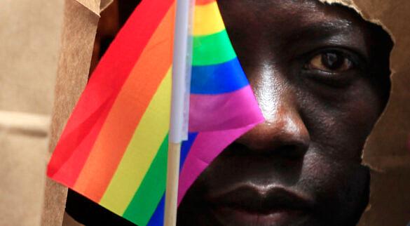 Novo projeto de lei em Gana quer criminalizar quem se identifica como LGBTI+ e também propõe pena de até 10 anos a quem prestar cuidados médicos a pessoas trans ou praticar sexo anal e/ou oral (Foto: Reprodução)