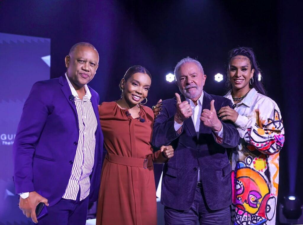 Celso Athayde, Thelma de Assis, Lula e Linn da Quebrada durante a gravação do programa 'Triangulando' (Foto: Ricardo Stuckert)