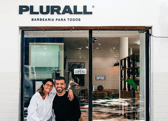 Os sócios Paula Raeder e Érico Porto da barbearia Plurall (Foto: Wallace Nogueira/Divulgação)